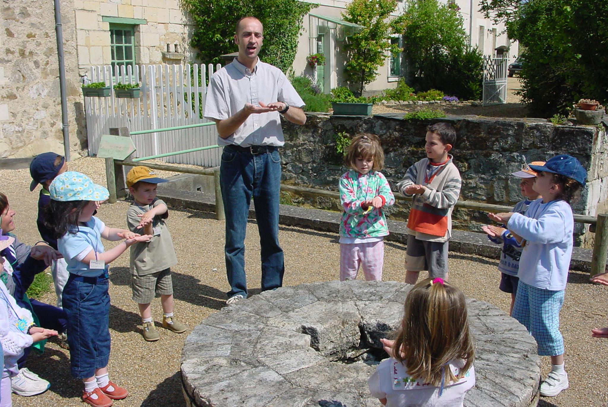 visite du moulin aux enfants